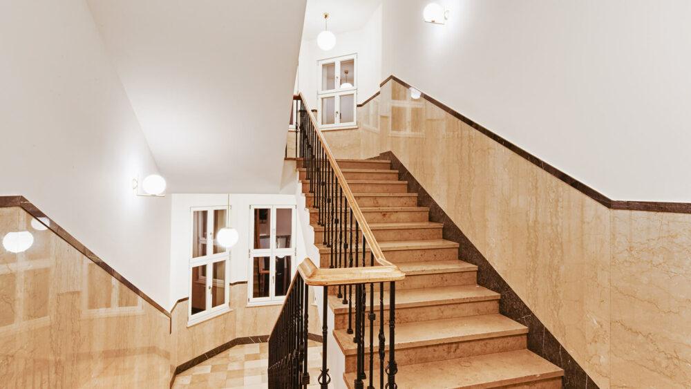 Melter Hotel & Apartments Nürnberg denkmalgeschütztes Treppenhaus