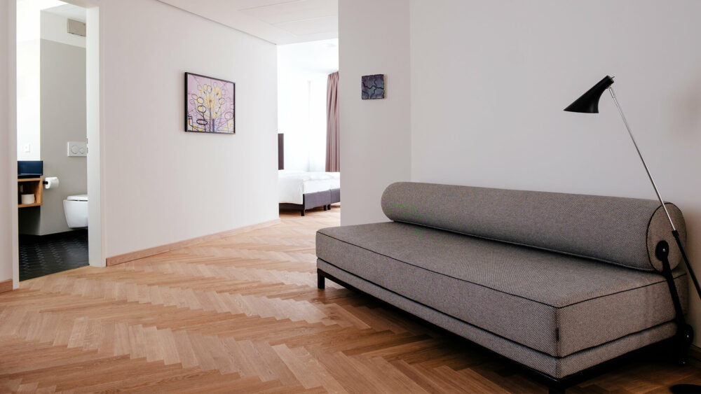Deluxe Apartment Wohnbereich mit Schlafcouch Melter Hotel & Apartments Nürnberg