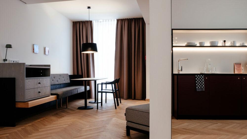 Melter Hotel & Apartments Nürnberg Deluxe Apartment Sitzecke