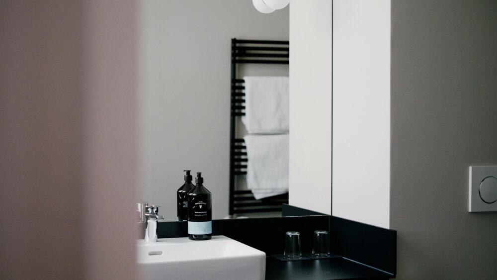 Melter Hotel & Apartments Nürnberg Badezimmer mit Retterspitz-Produkten